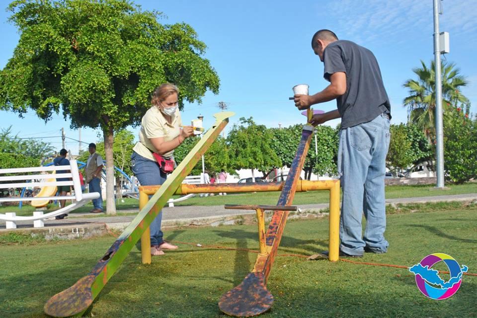 Concluye la brigada de limpieza en el jard n de la colonia for Jardin de villa de alvarez