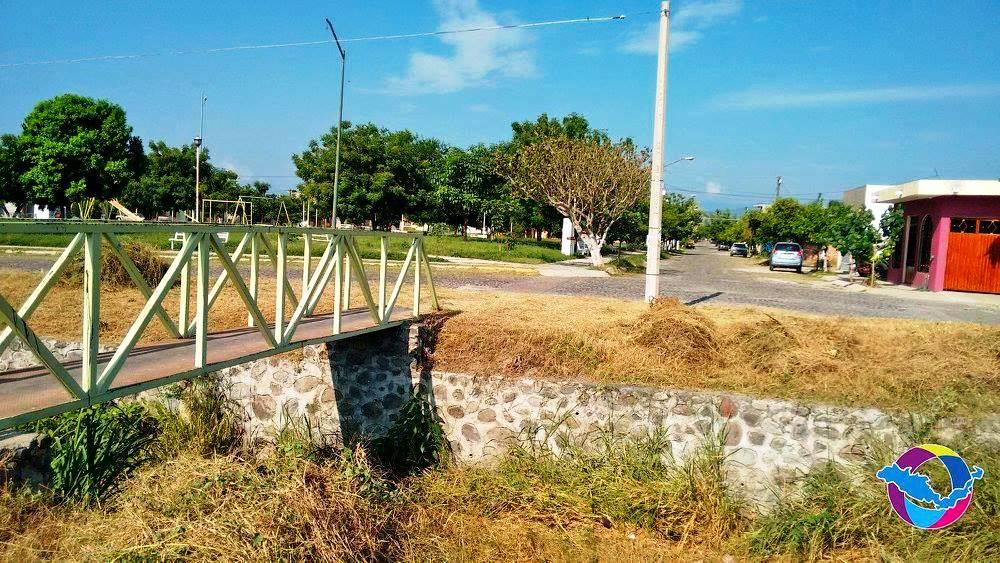 Brigada limpia la villa en villa flores ii y arroyo el trejo for Jardin de villa de alvarez