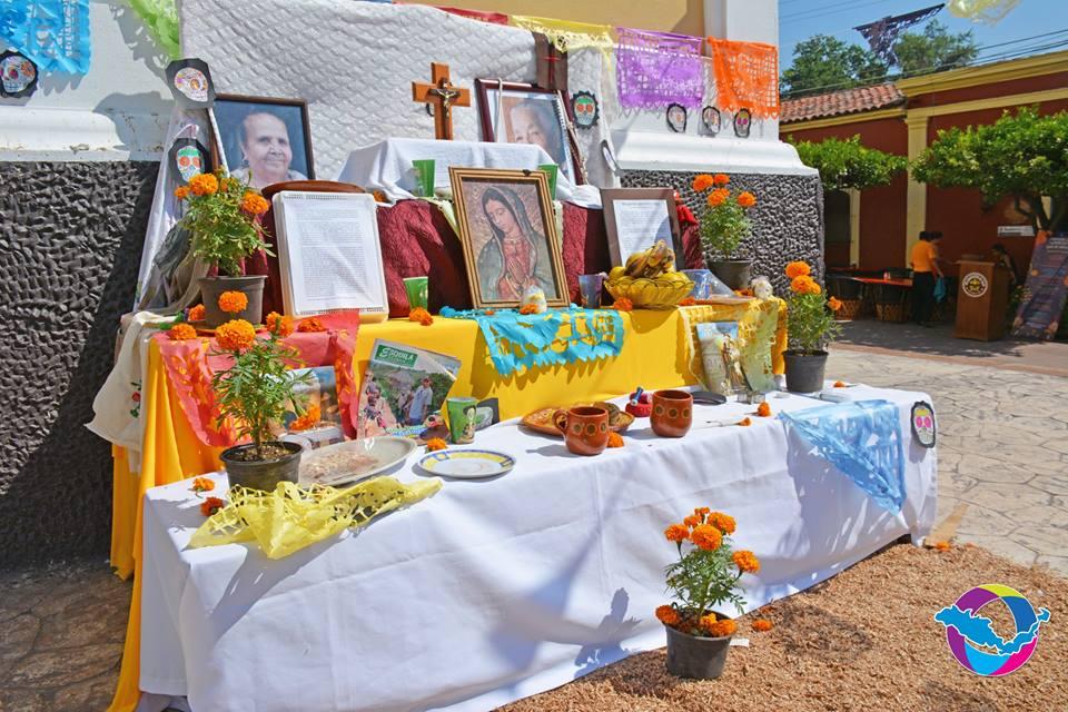 Presentan altares de muertos en el jard n independencia for Jardin de villa de alvarez